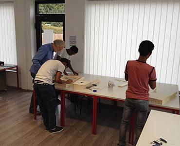 Flüchtlinge Burg Schwaneck: Bau einer Krar